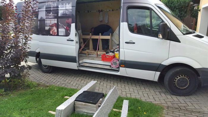Unsere Kunden Aus Leipzig Hat Rosa Beta Granit So Gut Gefallen Dass Sie Fensterbanke Treppen Und Fliesen Aus Dem Gleichen Material Bes Van Car Vehicles