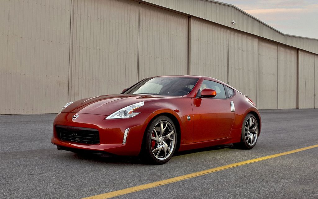 Red Sports Car Nissan Z Wallpaper