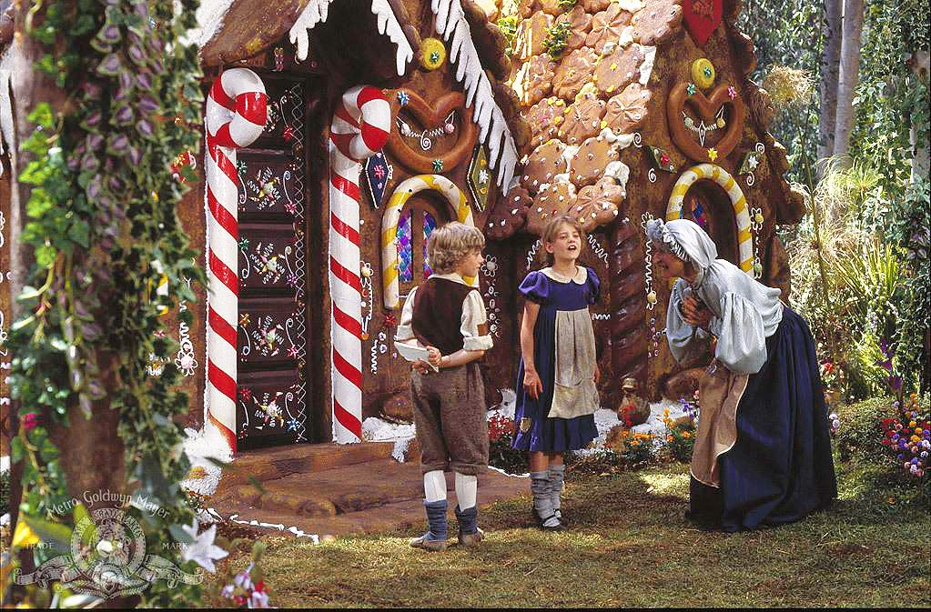 Hansel And Gretel Cannon Movietales Candy House Hansel And Gretel House Fairy Tales