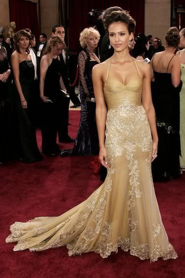 f8126a22f661 jessica alba, gold lace gown   Jessica Alba and Versace Custom Made Gold  Backless Dress ( 863964 .