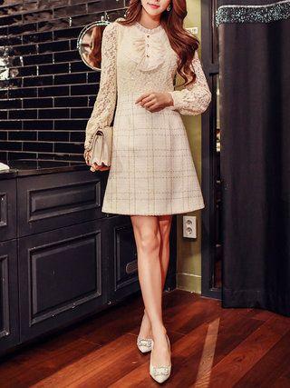 Cream Ruffled A-line Lace Long Sleeve Midi Dress