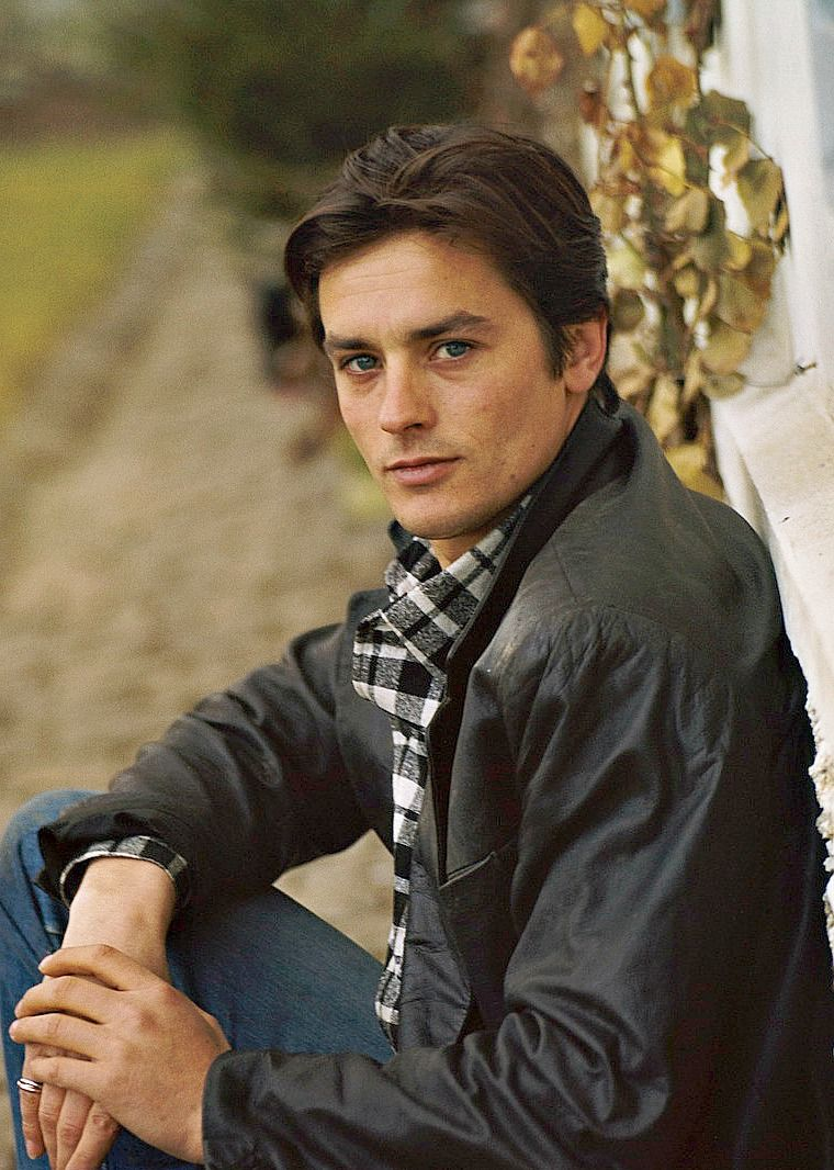 Alain Delon, 1963. (In some pics, he reminds me of Rob ...