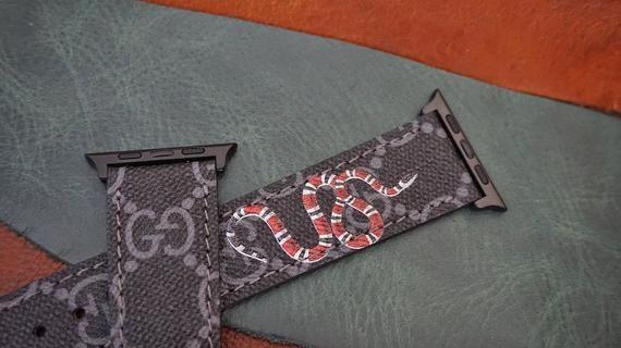 5d9fadb5948 Gucci snake band