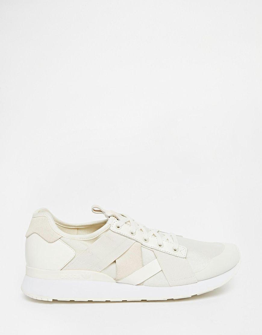 newest 64a95 a1148 Image 1 of Adidas Originals AR-10 W White Trainers Zapatillas De Deporte  Blancas,