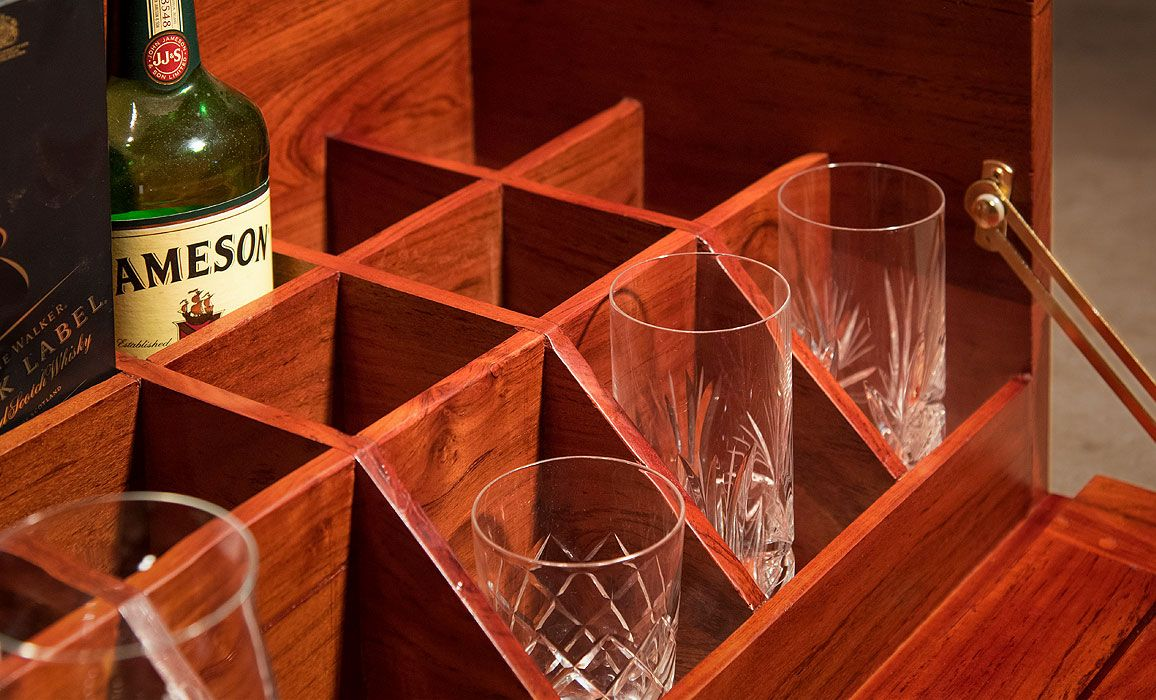 Campaign Field Bar Compartment Detail In 2020 Campaign Furniture Drinks Tray Bar