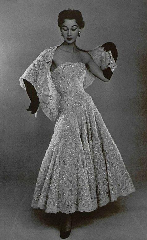 0b13a2b7245c Abito da sera di Christian Dior 1952 | Moda Donna nel 2019 | Abiti ...