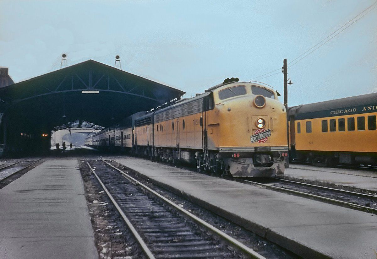 Chicago & North Western E8A #5029-B readies departure from