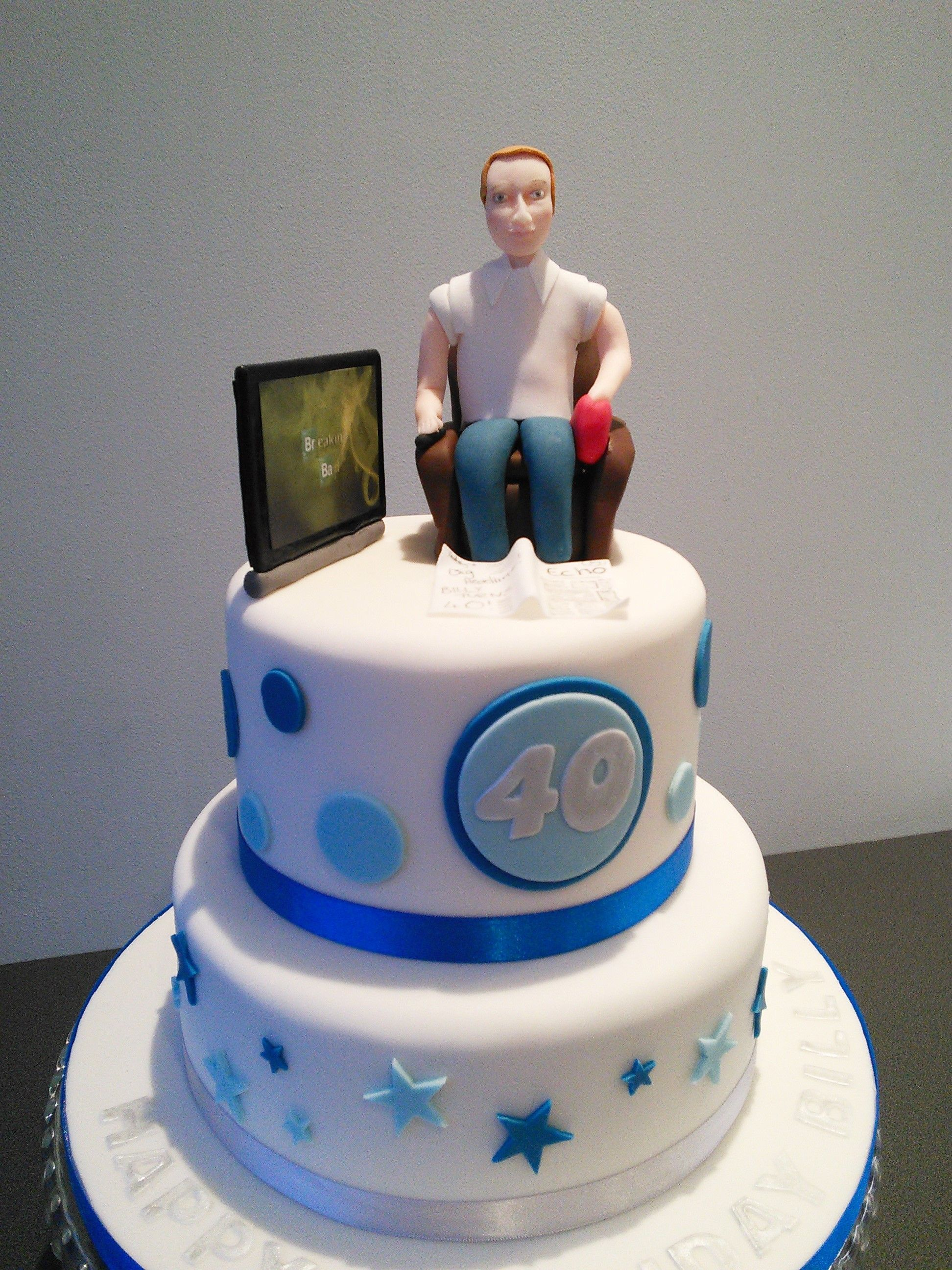 40th Birthday Cake Man Watching Tv