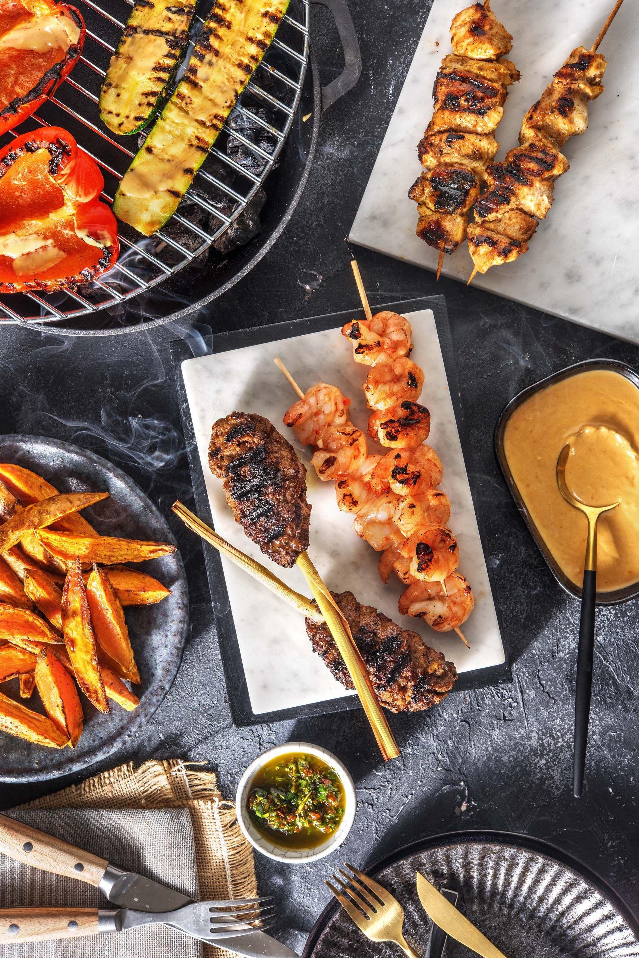 Thailandische Grillplatte Mit Garnelen Kokos Hahnchen Und Hack Zitronengras Spiessen Recipe Food Recipes Grilling Grill Pan