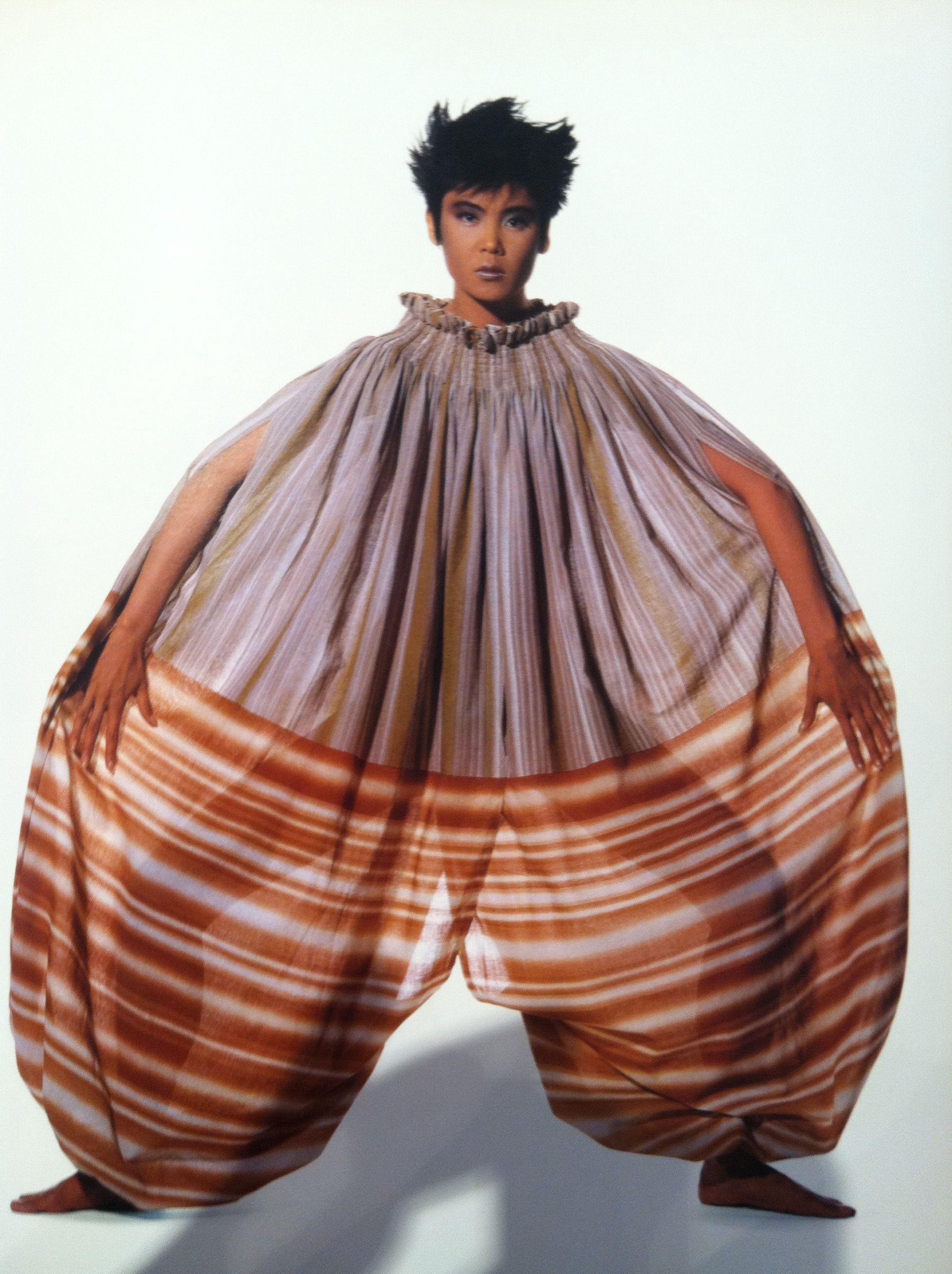 Issey Miyake By Irving Penn 80s Fashion Trends Japanese Fashion Designers Fashion