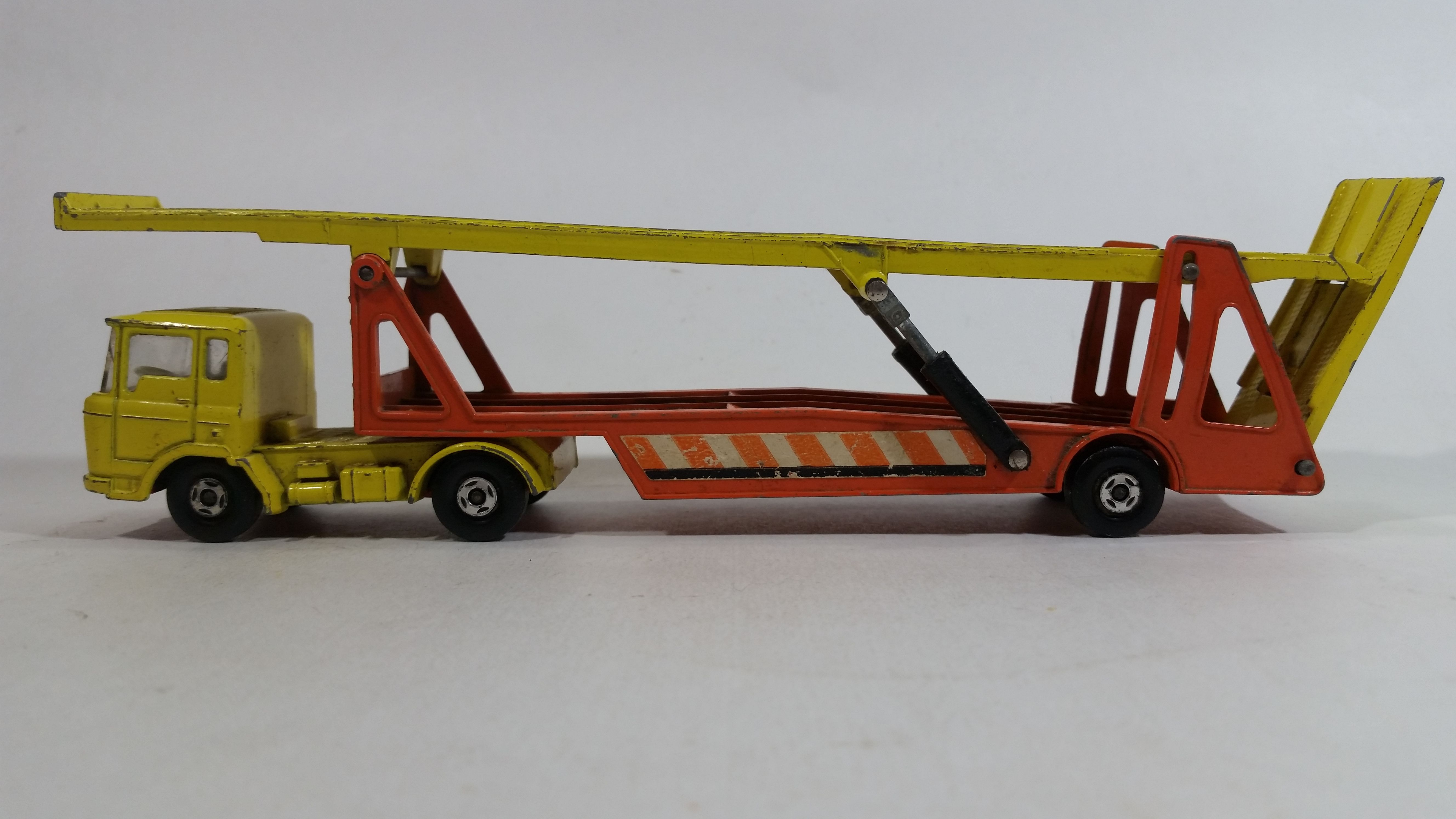 Vintage 1970 1971 Lesney Matchbox Super Kings K 11 Daf Car Transporter Semi Tractor Truck And Trailer Yellow And Orange Die Cast Toy Auto Hauler Vehicle Truck And Trailer Diecast Tractors