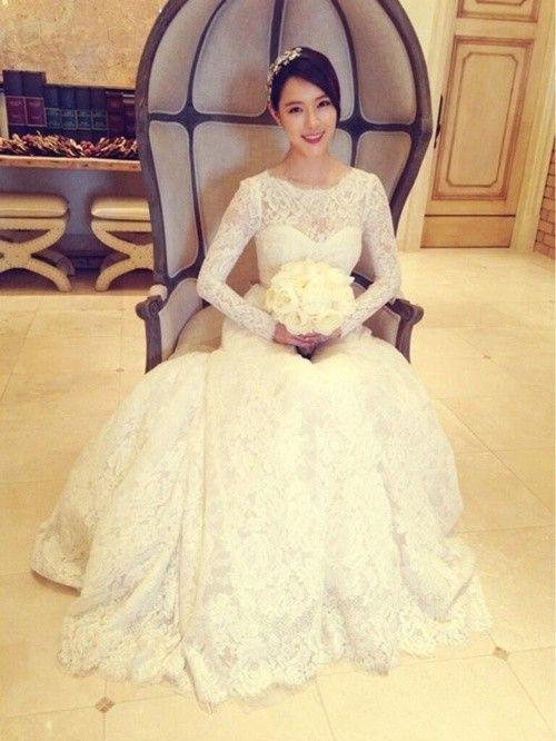Pin von Tri Putri auf Korean Celebrities Wedding Dresses | Pinterest