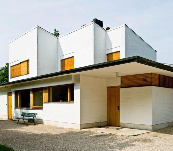 Modern Private House Designed by Alvar Aalto: Maison Louis Carré ...