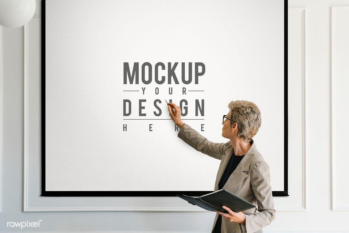 Download Premium Psd Of Blonde Aged Woman Having A Presentation Mockup Class Presentation Presentation Mockup