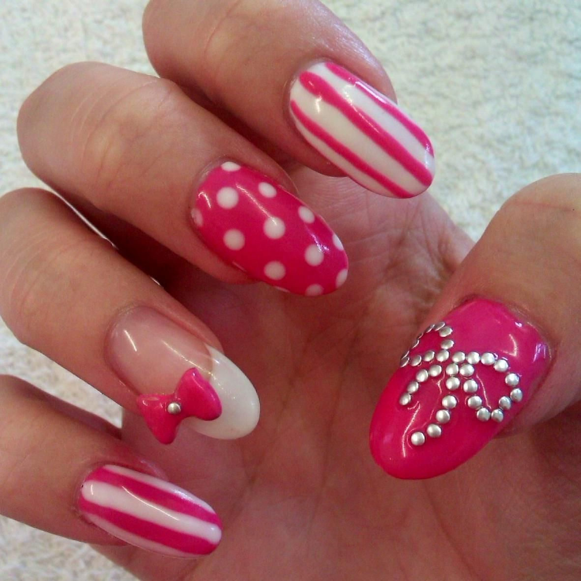 Acrylic Nails With Bows | ... are gellux, the thumb bow is made of ...
