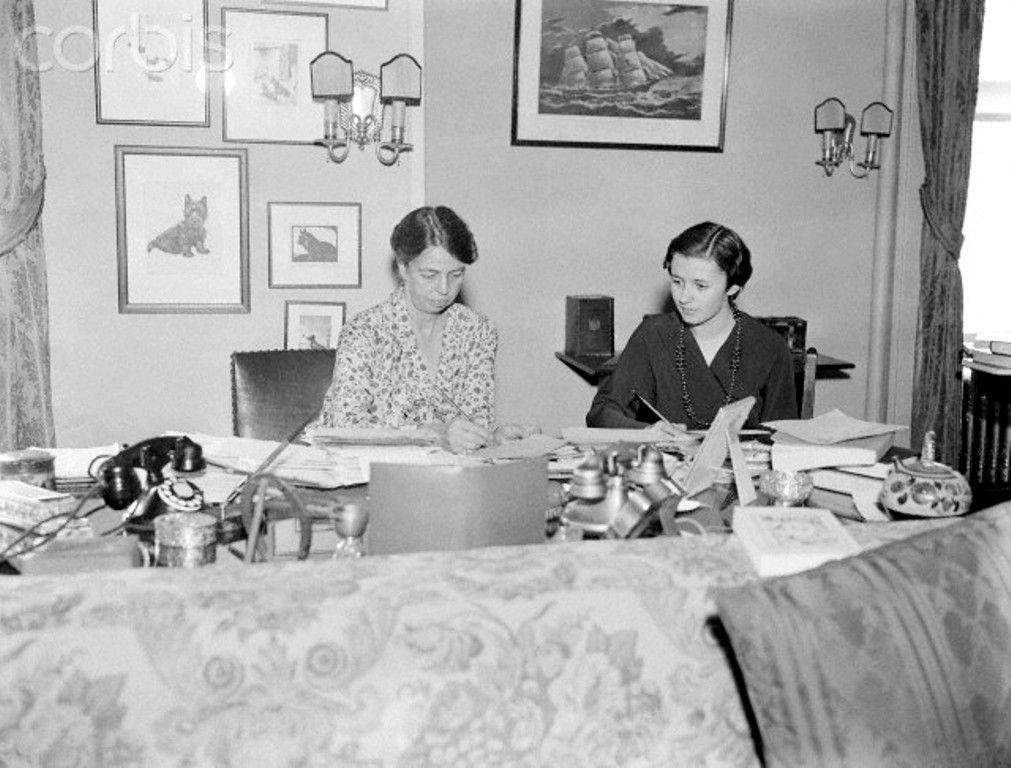 Mrs. Franklin Roosevelt & Friend @ Home Writi 11/11/1932-Albany, NY ...