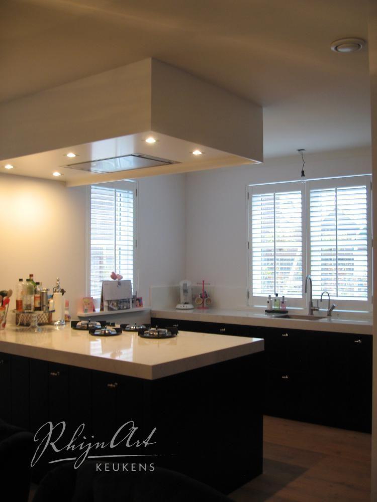 beautiful ide faux plafond pour la hotte with caisson hotte aspirante. Black Bedroom Furniture Sets. Home Design Ideas
