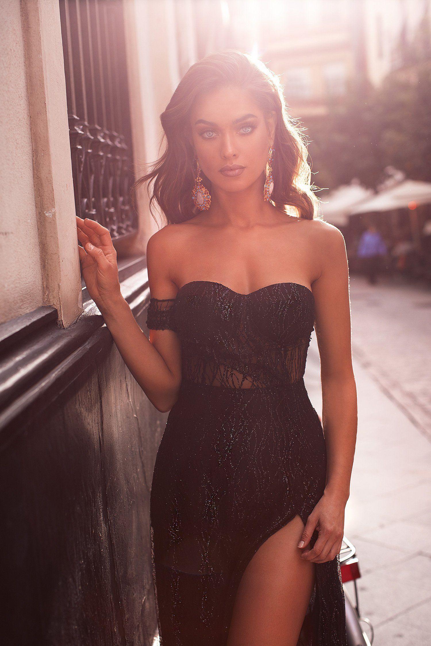 Beautiful Strapless Dresses