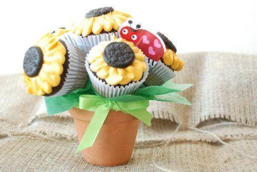 Oreo sunflower cupcake bouquet..need to make one some day! #sunflowercupcakes Oreo sunflower cupcake bouquet..need to make one some day! #sunflowercupcakes Oreo sunflower cupcake bouquet..need to make one some day! #sunflowercupcakes Oreo sunflower cupcake bouquet..need to make one some day! #sunflowercupcakes