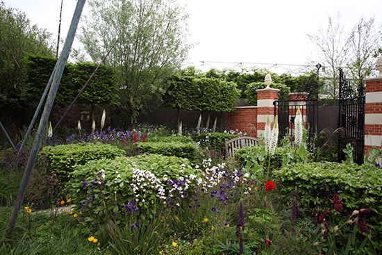 The Living Legacy Garden by Darwin Property Management Investment - a commemoration of the 200th anniversary of Waterloo. Bleakness meets a positive and happy future. #ChelseaFlowerShow