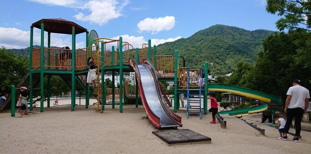 八木梅林公園 目的はショッピング 川遊び 広島遊び場マスター 川遊び 公園 広島