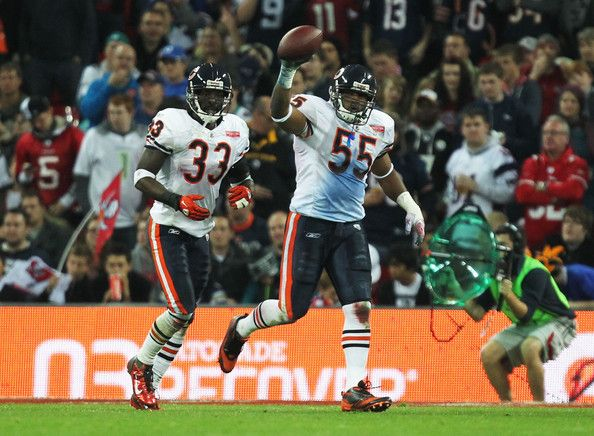 Lance Briggs Photos Photos Chicago Bears V Tampa Bay Buccaneers Chicago Sports Teams Chicago Bears Chicago Sports