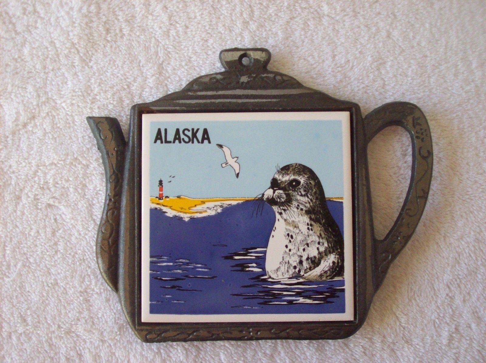 Cast iron kitchen trivet tea pot stand metal hot dish tray cookware - Vintage Cast Iron Teapot Shaped Trivet W Alaska Ceramic Tile Ebay