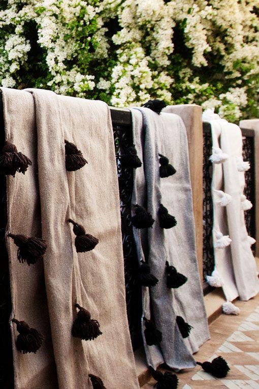 Wool Pompom Blanket Artisanat Marocain Couverture