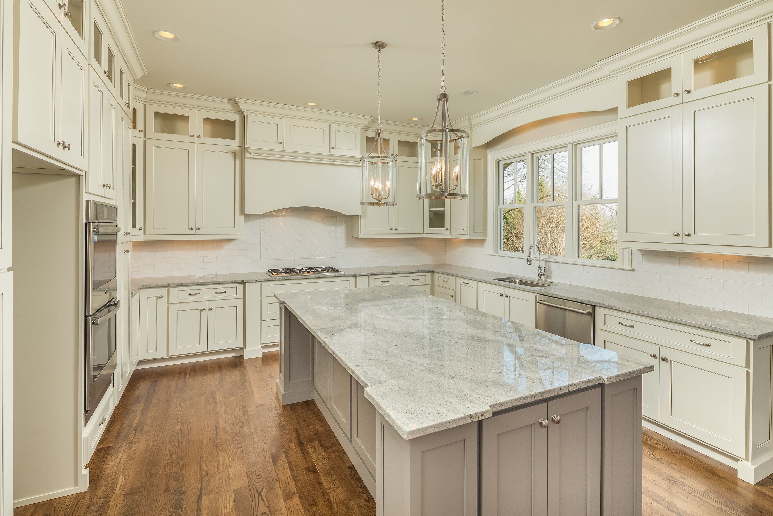white cabinet s that extend to the ceiling and if craftsman style this kitchen wa kitchen on kitchen cabinets to the ceiling id=29266