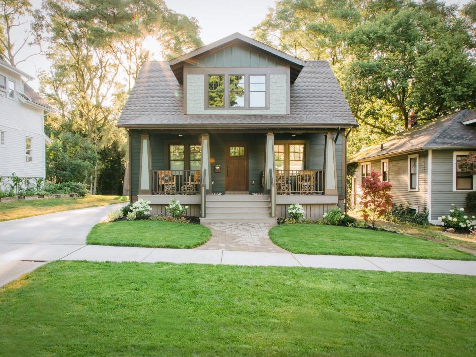 Instant Curb Appeal On A Budget Diy In 2020 Craftsman House Curb Appeal House Exterior