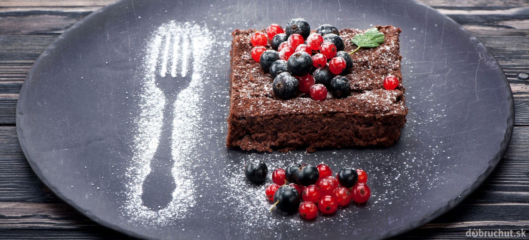 Jablkovo-orieškový koláč bez múky