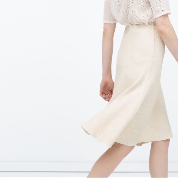 Zara structured knit skirt ✨BRAND NEW✨ the drape is very nice. I bought both sizes but not look good on me SAVE MONEY WHEN YOU BUNDLE NO TRADE Zara Skirts A-Line or Full