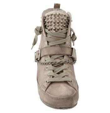 1ee82ccabbe08 Sam Edelman  Alexander  Studded Sneaker  149 neeeeeddddd