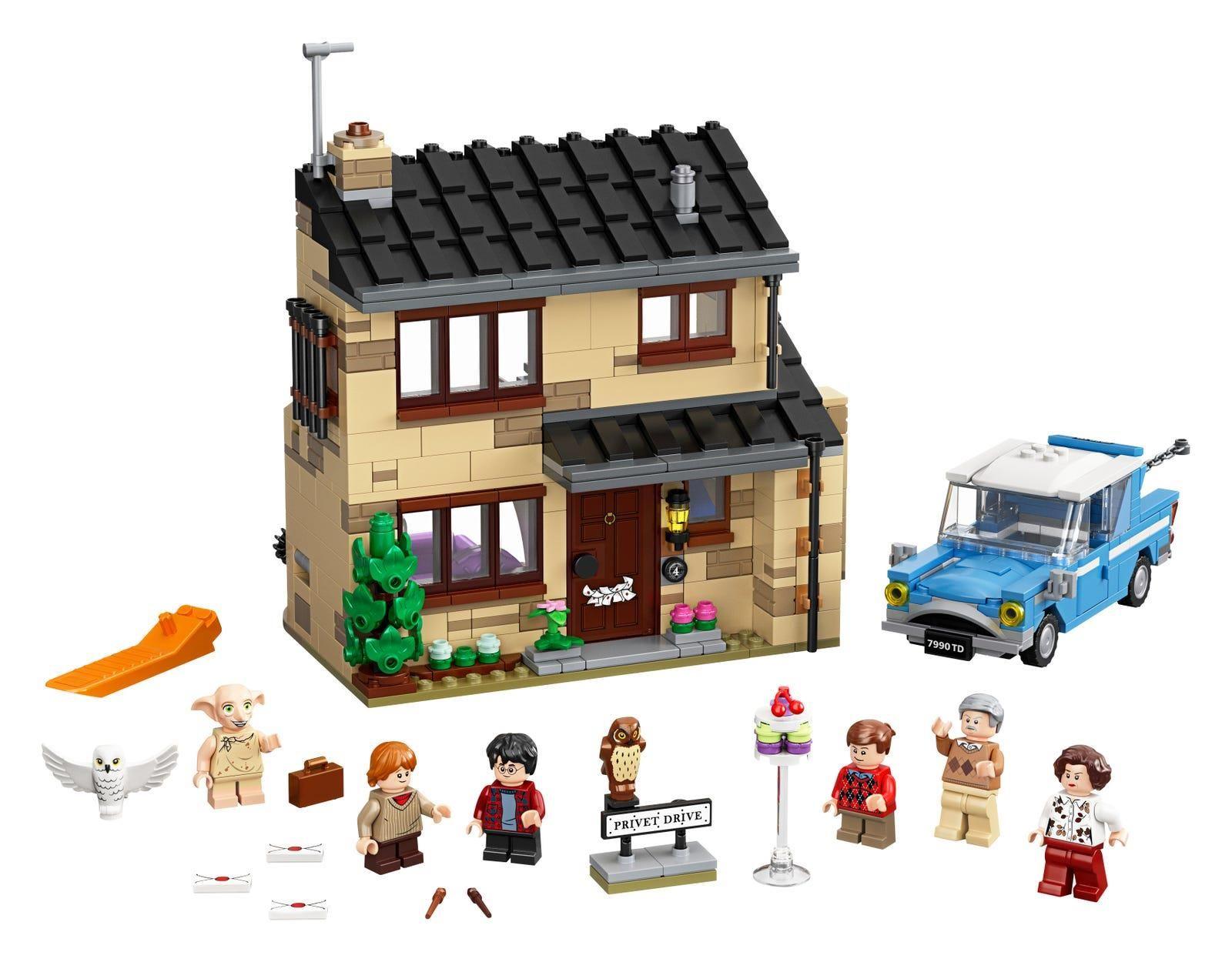 Lego 75968 4 Privet Drive Is A 797 Piece Harry Potter Set Released In 2020 Harry Potter Lego Sets Toy House Harry Potter Set