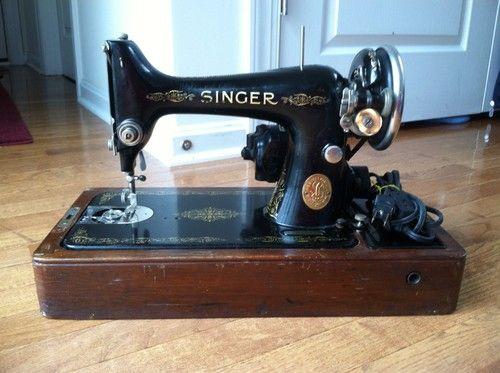 1935 Singer Sewing Machine