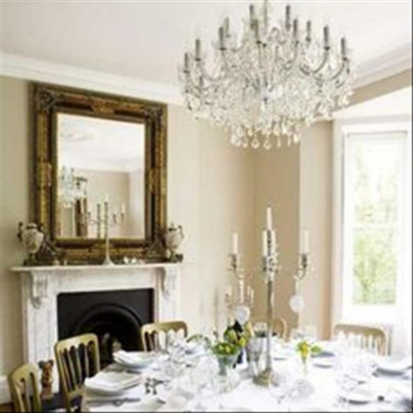 Dining Room Chandelier With Round Table Also Windsor Chair And Candle Holder Besides Napkin Belles MaisonsElegante Salle A