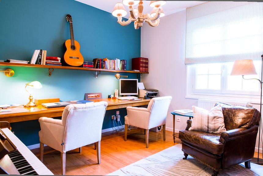 Décoration d intérieur bureau plan de travail et étagère en