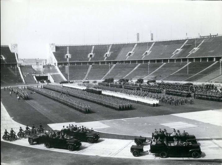 Berlin   Olympiastadion. Polizeiparade, 1954. West Berlin
