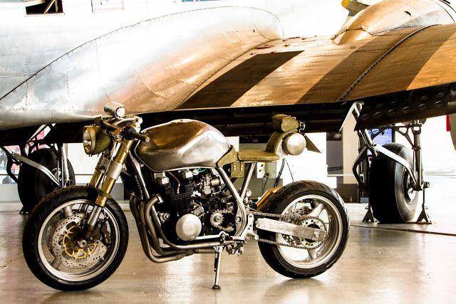 Dietro a ogni special c'è sempre un uomo con la sua visione delle moto e Stefano ha immagin...