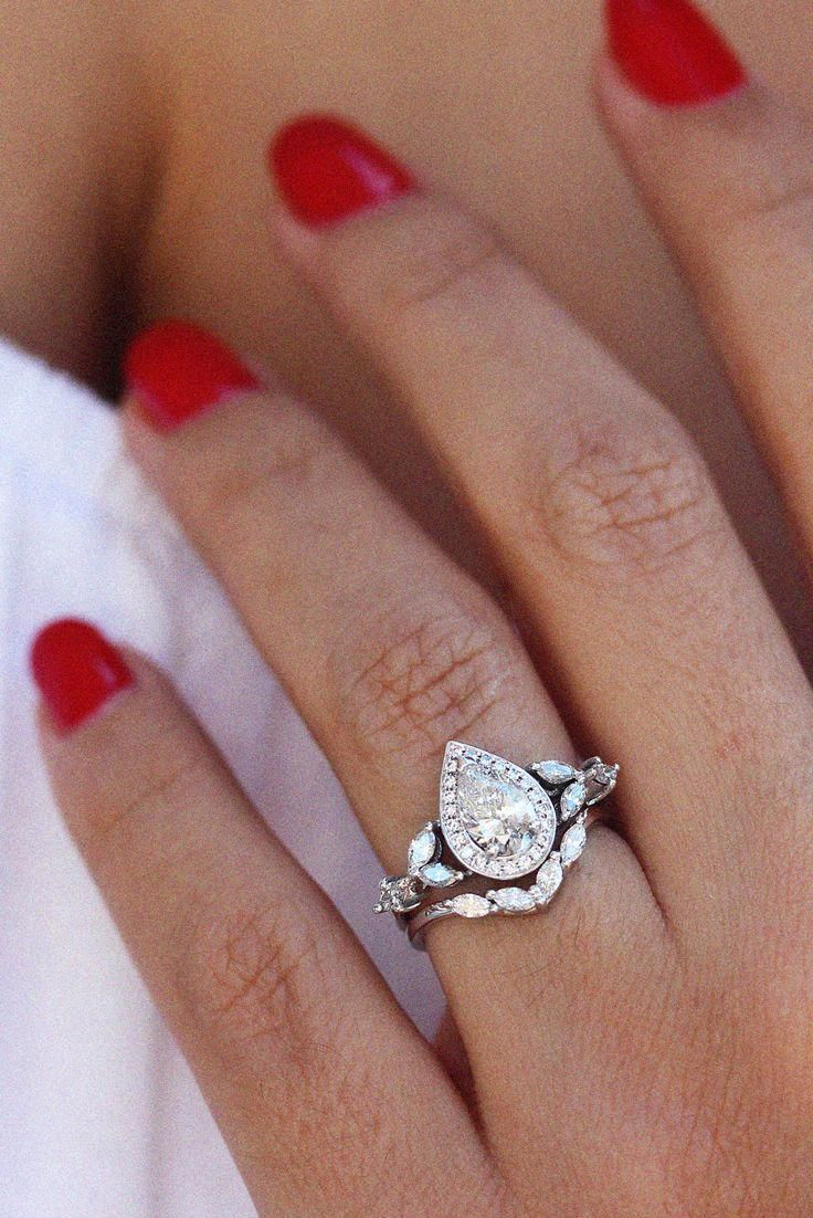Beautiful unique engagement rings! 2138