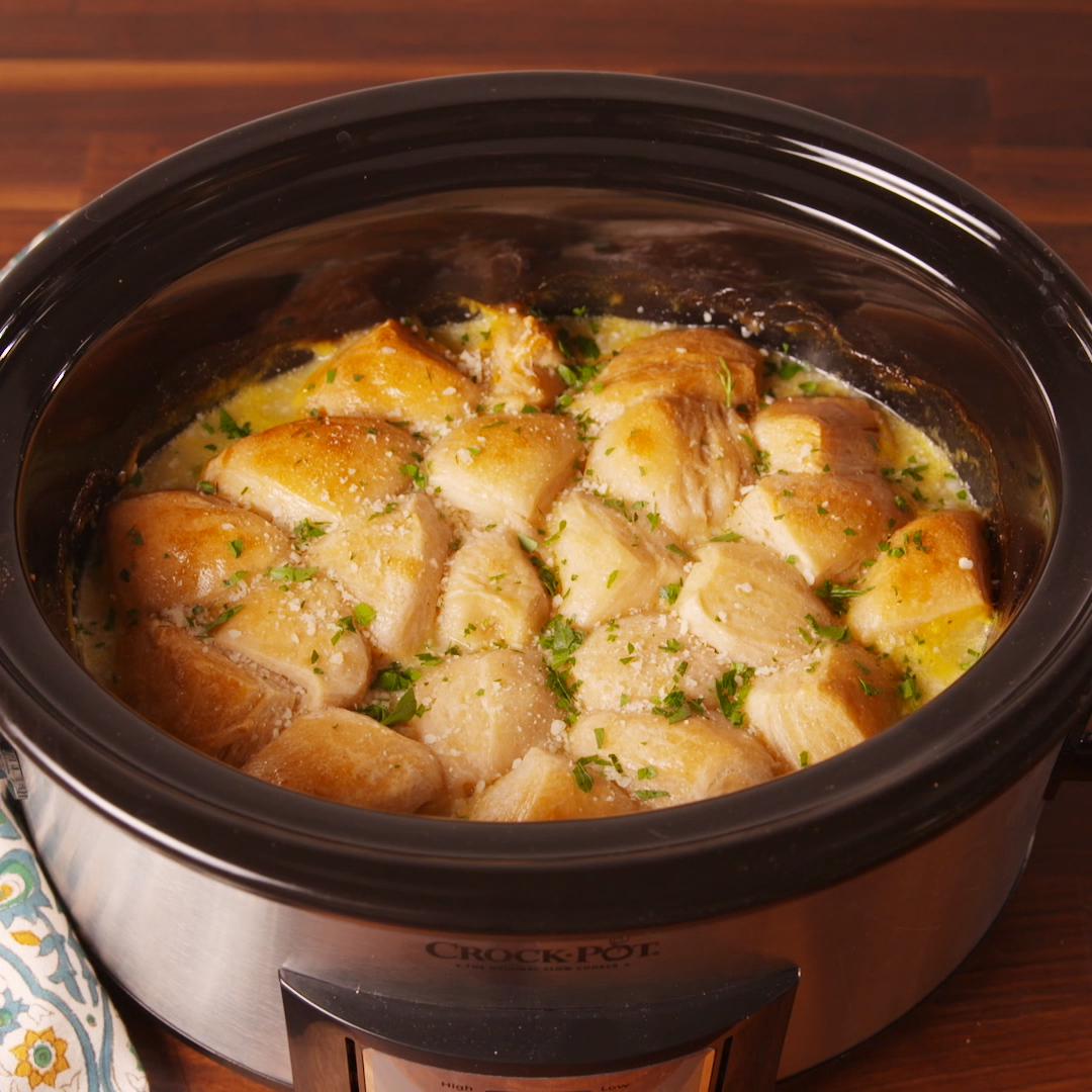 Crockpot Chicken & Dumplings #crockpotchickeneasy