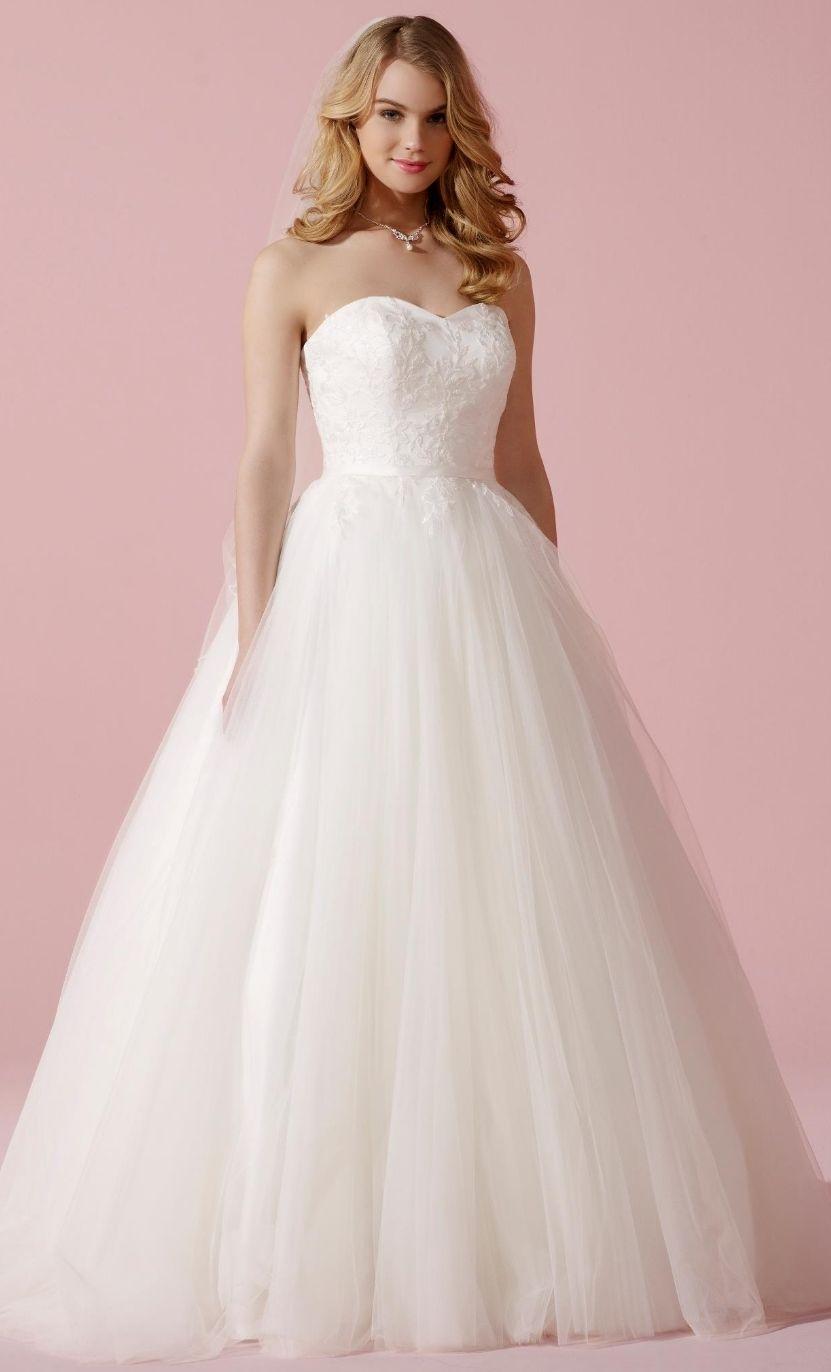 6cb67ef771a5 Tyl prinsesse brudekjole Www.weddingdeluxe.dk