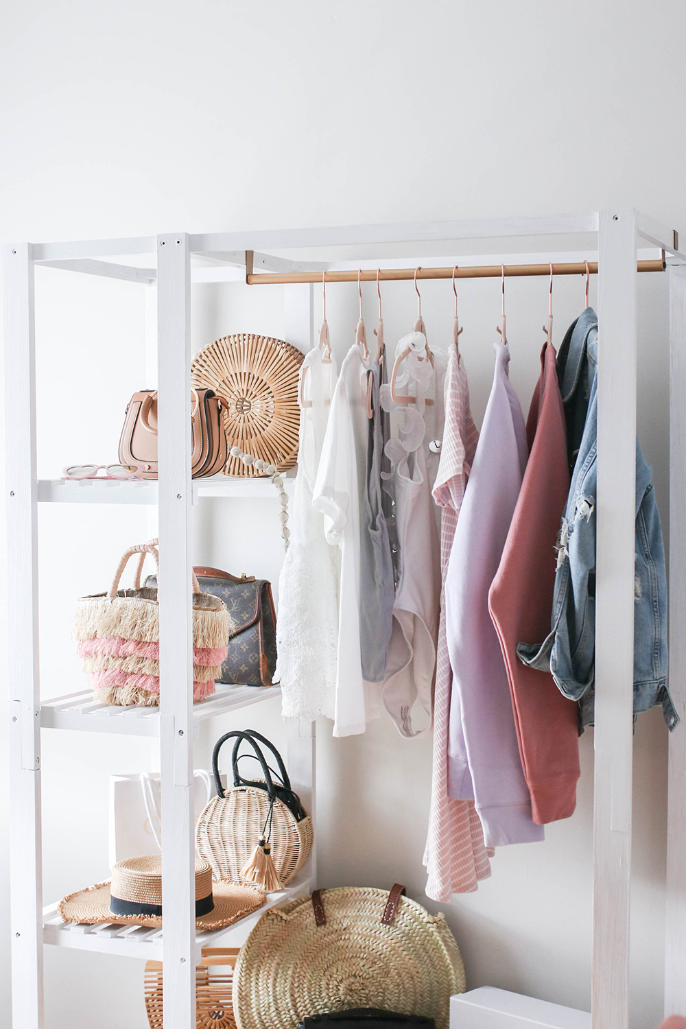 White And Gold Clothing Rack Hack With Images Clothing Rack