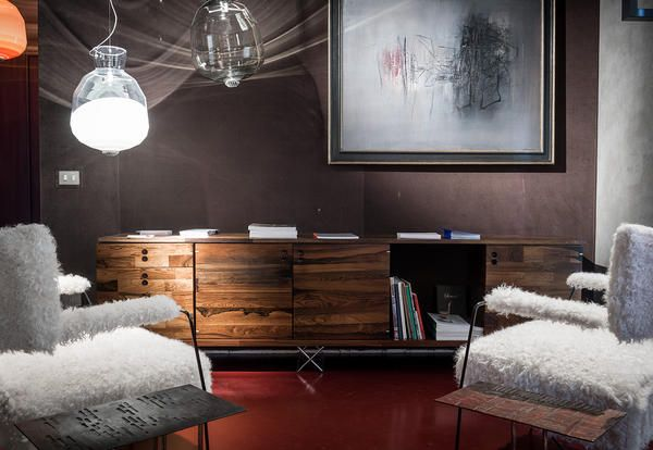 La prestigiosa Galleria Nilufar presenta Brazilian vintage durante ...
