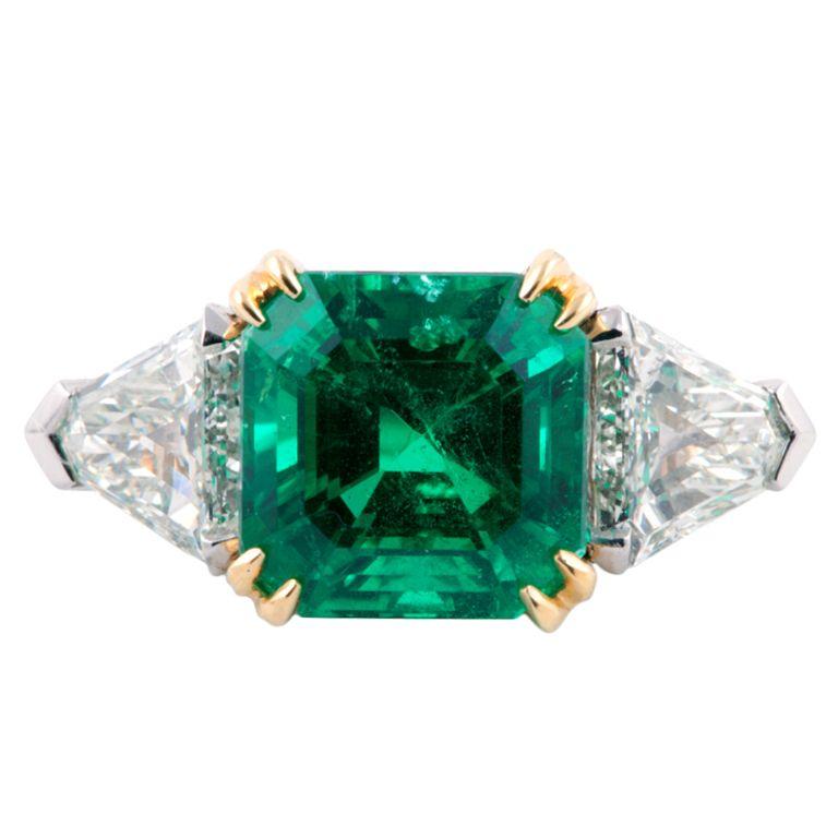 6 18 Carat Colombian Emerald Diamond Gold Platinum Ring