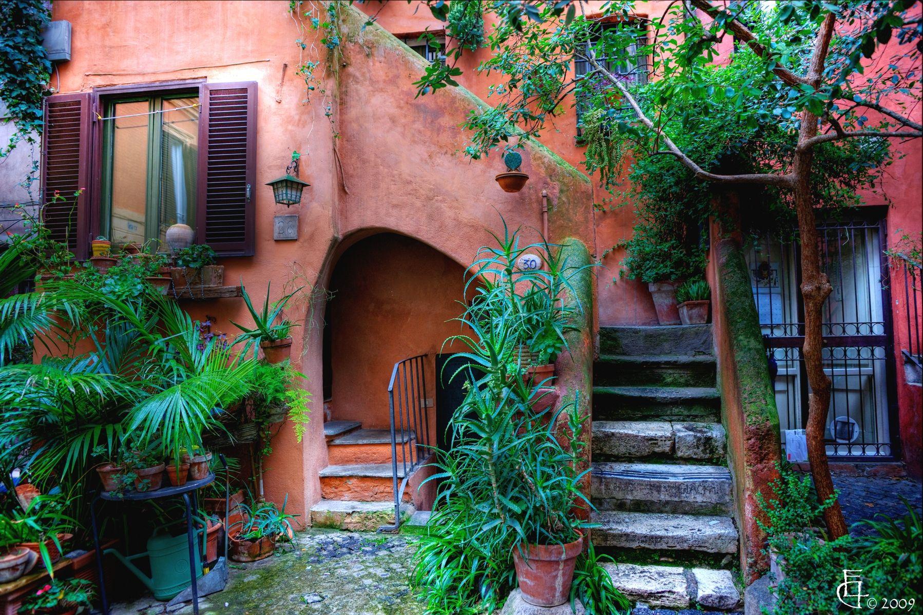 Una casa a Roma, Italia