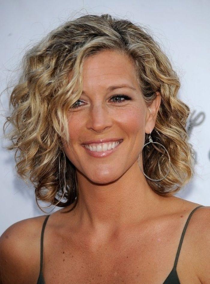 40 Best Short Curly Hairstyles Beauty Lockige Frisuren