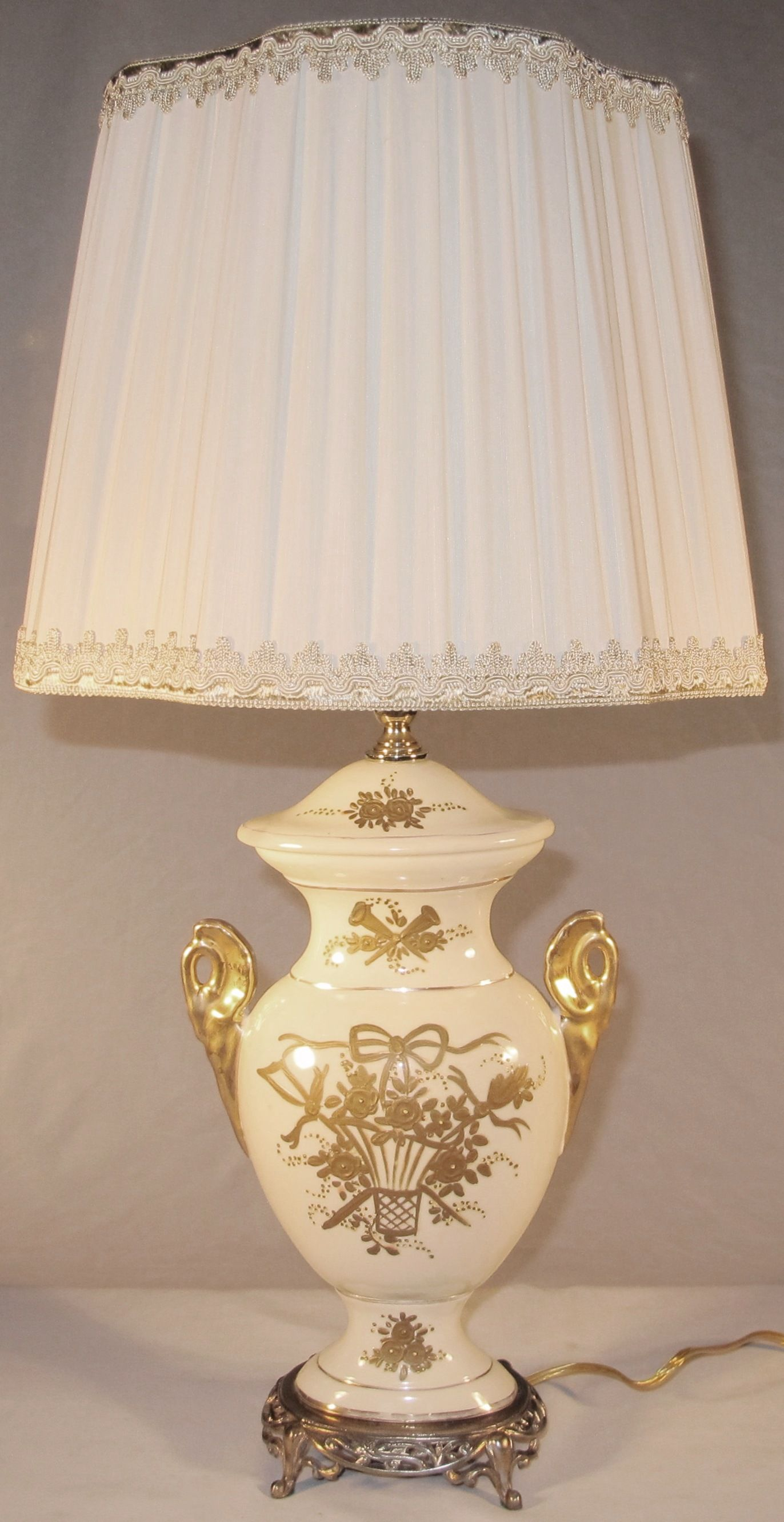 Vintage Victorian Lamp Porcelain Lamp Victorian Lamps Lamp