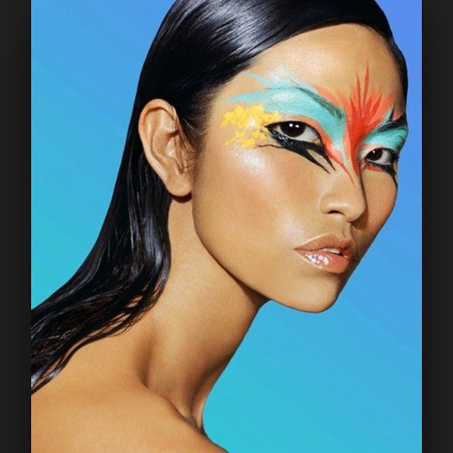 We're loving this exotic makeup application. Would you wear this? #beauty #makeup #makeupartist #makeupjunkie #exotic #pretty #asian #kpop #blogger #eyeshadow #cool