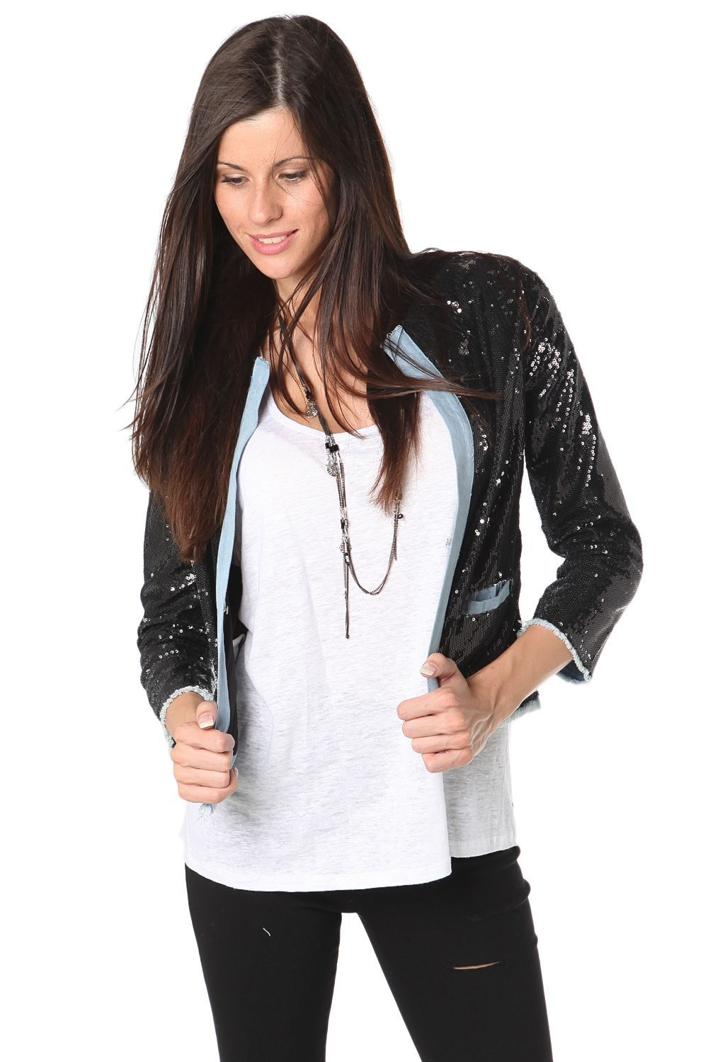 Denim crop jacket with sequin inserts - 49,90 € - https://q2shop.com/